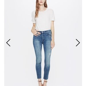 NWOT Mother stunner ankle fray jeans 25